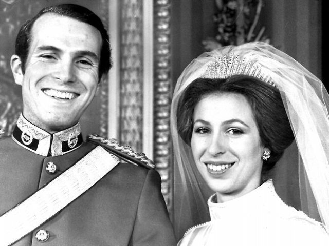 "5-Ways-to-Make-Your-Wedding-""Royal""-Wear-a-Tiara-Princess-Anne-and-Mark-Phillips"
